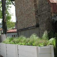 Ekskluzīvas puķu kastes privātmājā Teikā